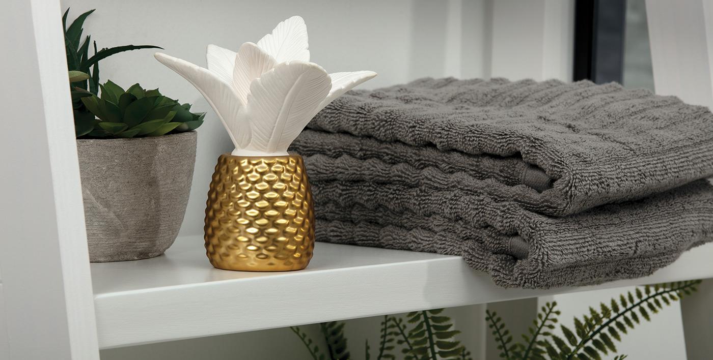 Ellia White/Gold Palm Queen Essential Oil Diffuser